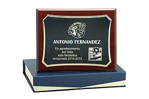 placa-conmemorativa-3-trofeos-uriarte